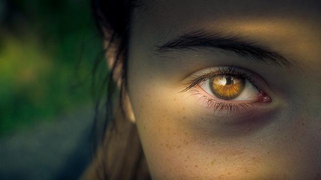 szem alatti sötét karikák lelki okai